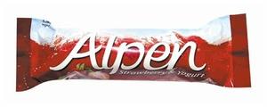 Злаковый батончик Alpen Злаковый Клубника и йогурт 29 г