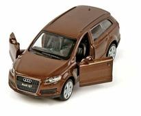 Внедорожник Пламенный мотор Audi Q7 1:43 (870134) 1:43