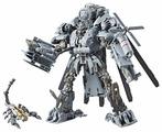 Трансформер Hasbro Transformers Блэкаут. 08. Коллекционное издение: лидер (Трансформеры Дженерейшнс Studio Series) E0980