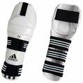 Защита колена adidas ADITSK01