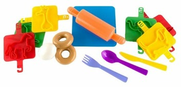 Набор продуктов с посудой Пластмастер Пекарь №2 22038