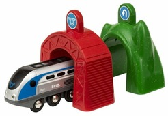 Brio Локомотив с управляющим тоннелем, серия Smart Tech 33834