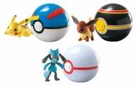 Игровой набор Tomy Pokemon Покемон с покеболом T18532D4